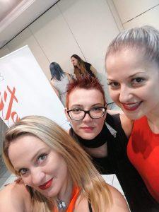 Foto com Rossella, Yanna e Tânia no Campus Unhas Aretini 2018