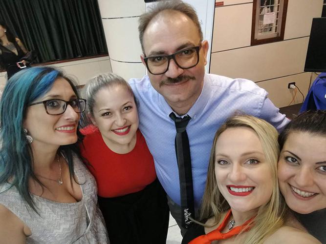 Foto com Erminia, Tânia, Rafaelle e Yanna no Campus Unhas Aretini 2018