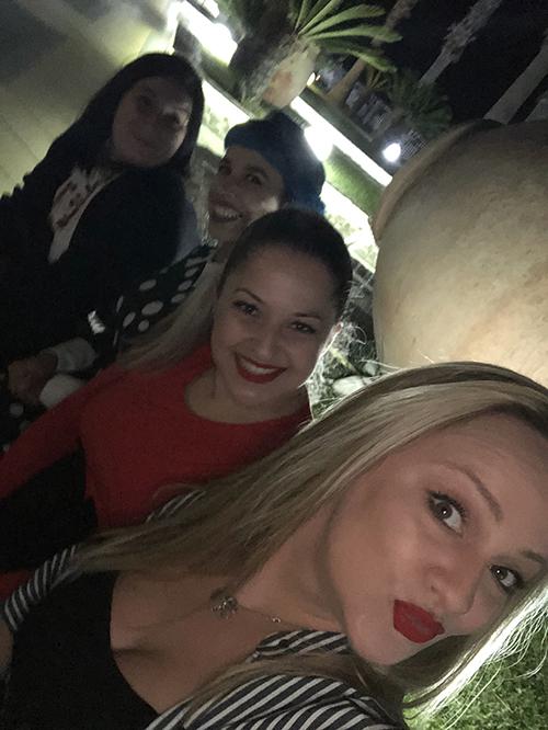 Foto com Roberta, Shannon, Tânia e Yanna no Campus Unhas Aretinii